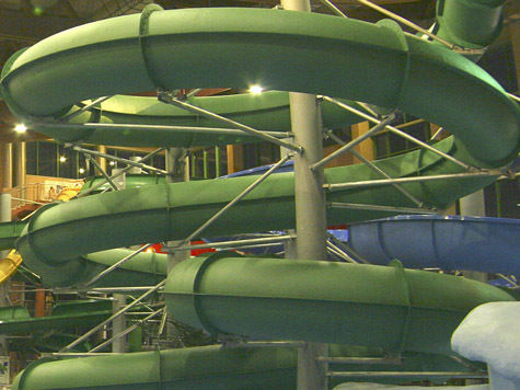 Инструкторы в аквапарках наконец научатся спасать утопающих