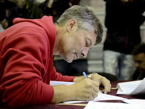 Ройзман объявил о победе на выборах: ВЦИОМ говорит о равенстве голосов с Силиным