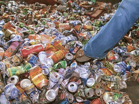 «МК» узнал, как «мусорные короли» делят сферы влияния
