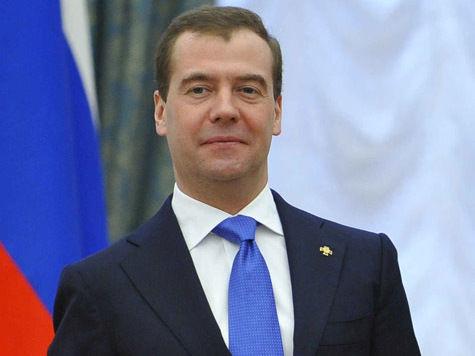 Медведев выдал регионам почти 3 миллиарда на футбол