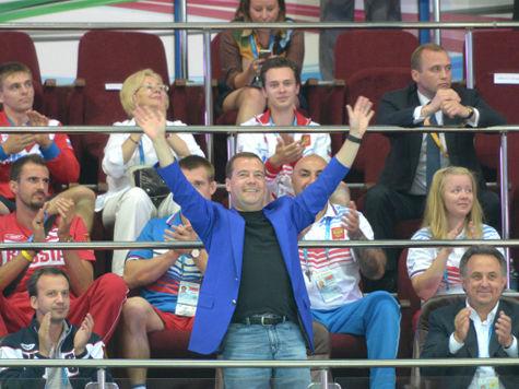 Медведев украсит своим появлением закрытие Универсиады