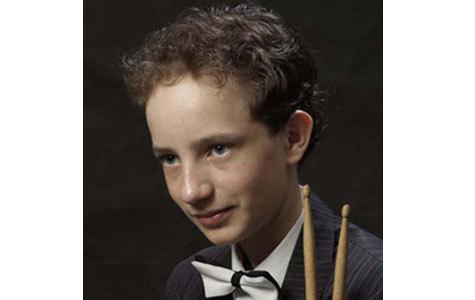 В свои 14 лет Николай Конаков выступает в международном оркестре под руководством Спивакова и исполняет сольный номер