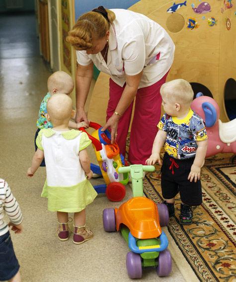 Скандал с детдомом в Москве: сироты уступят место кадетам?