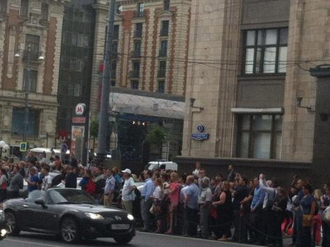 Ход гениальной прокуратуры: успокоить толпу временным освобождением Навального