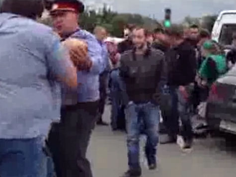 Подробности конфликта на Матвеевском рынке: полицейские дали спокойно уйти преступнику, пробившему голову их коллеге