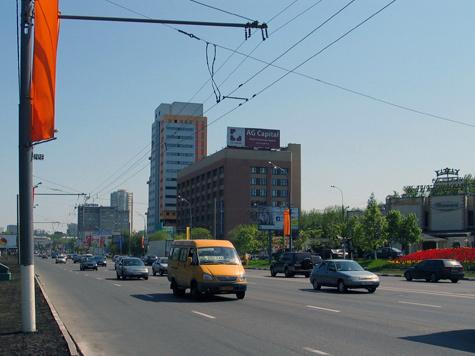 Пропускную способность проспектов усилят боковыми проездами и карманами для парковок