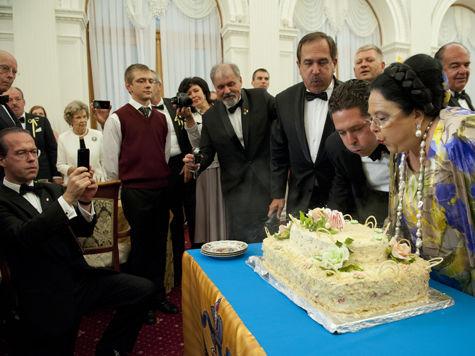 Янукович стал поставщиком овощей для дома Романовых