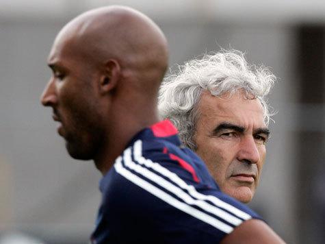 Вместо подготовки к матчу с ЮАР французы искали предателя