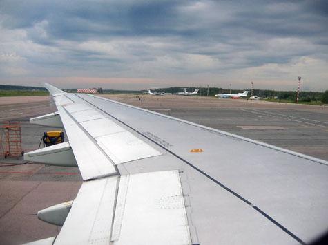 Российские пилоты требуют с авиакомпании долг в миллиард рублей