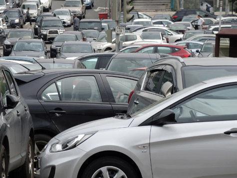 Уровень автомобилизации Москвы уступает только Нью-Йорку