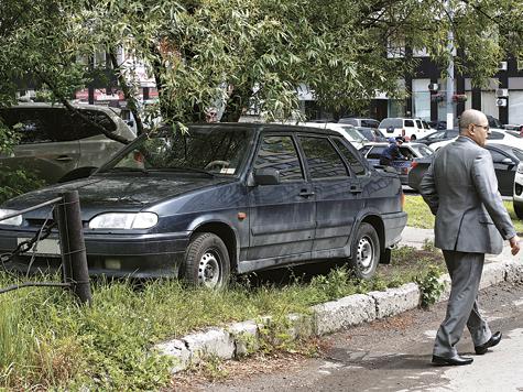 В столице проходит рейд повыявлению нарушителей правил парковки