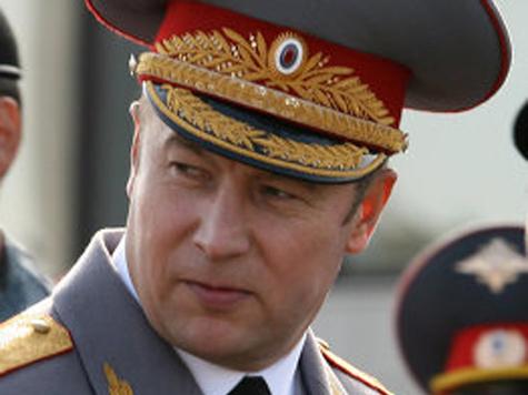 Месяц назад генерал Сафаров выпустил книгу, ставшую бестселлером среди его подчиненных