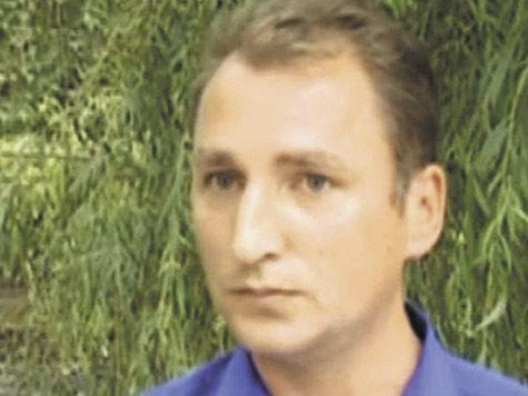 За акцией у входа в «МК» стоит провокатор Лашин