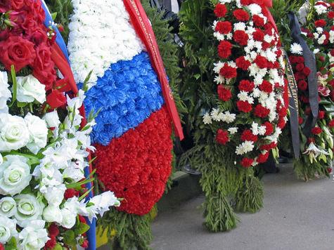 Похоронные венки вдоль дорог хотят запретить