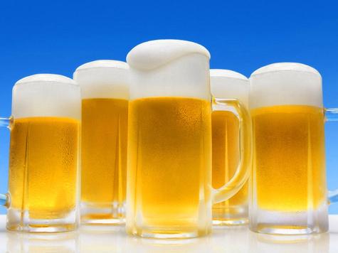 Россияне причислили Путина к любителям пива