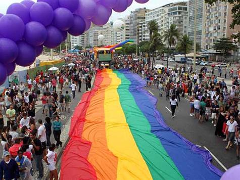 По гей-парадам есть два противоположных мнения: надо их разрешать и надо их запрещать
