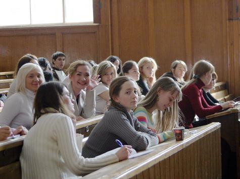 Вузы не хотят экзаменовать абитуру дополнительно