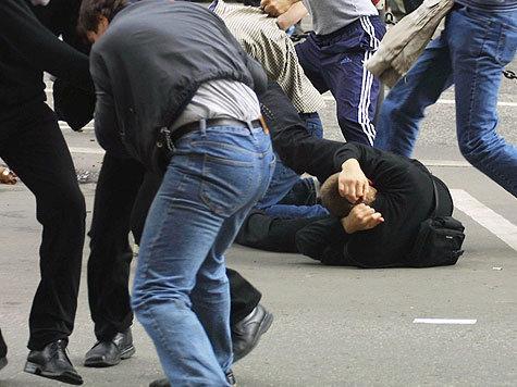 Узбеки вышли с битами против местных