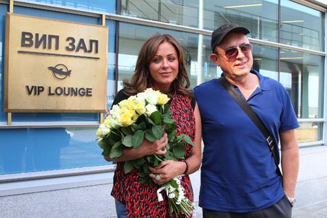 Певица Юлия Началова вернулась из Лос-Анджелеса в Москву.