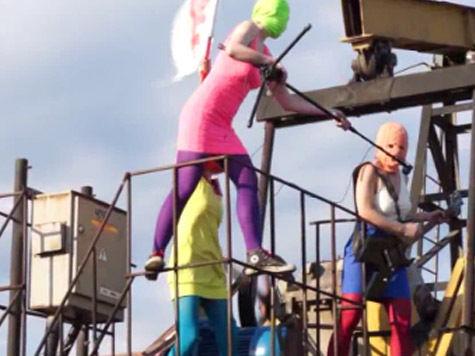 Pussy Riot перессорились из-за нефтяного клипа