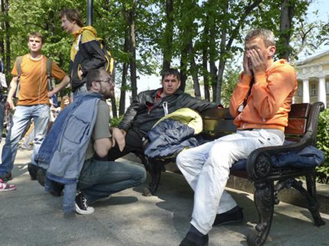 Оппозицию разогнали по лагерям