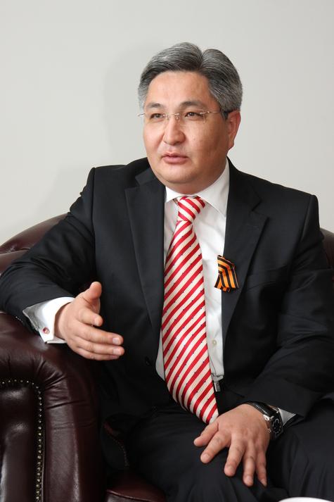 Посол Кыргызстана в Германии Болот Отунбаев