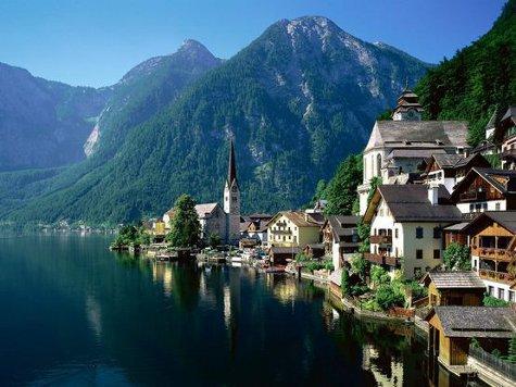 Речь идет об австрийском Хальштадте, который называют «самым живописным местом в мире»