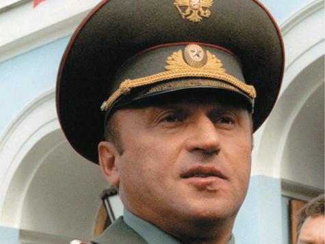 Экс-министр обороны не устоял перед капризами погоды