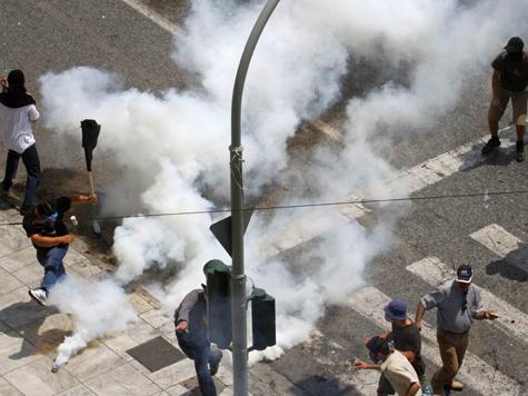 Жители Эллады, потерявшие более 20% своих доходов, устроили стачку