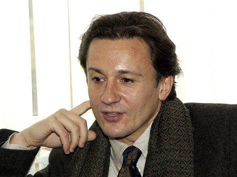 Олег Меньшиков не болен и возвращается с гастролей в Москву