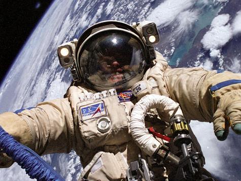 Каких заберут в космонавты?