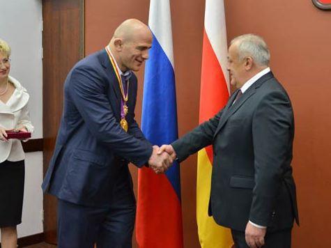 Глава  Северной Осетии вручил награды олимпийцам