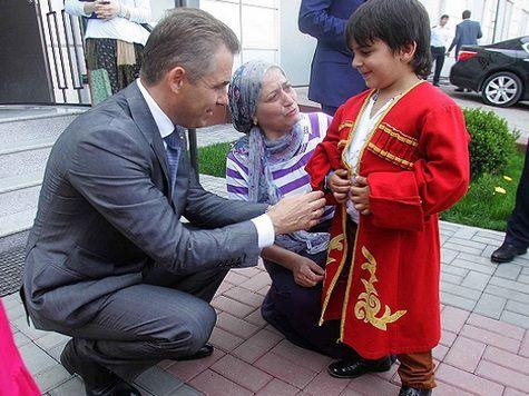 Астахов договорится об усыновлении петербургских сирот в Чечню