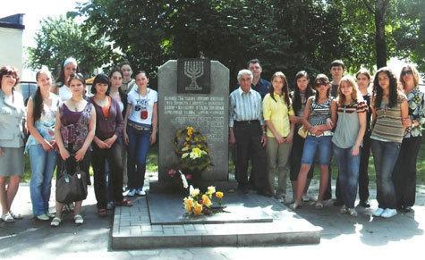 Московские школьники отправились в Брест, чтобы больше узнать о холокосте