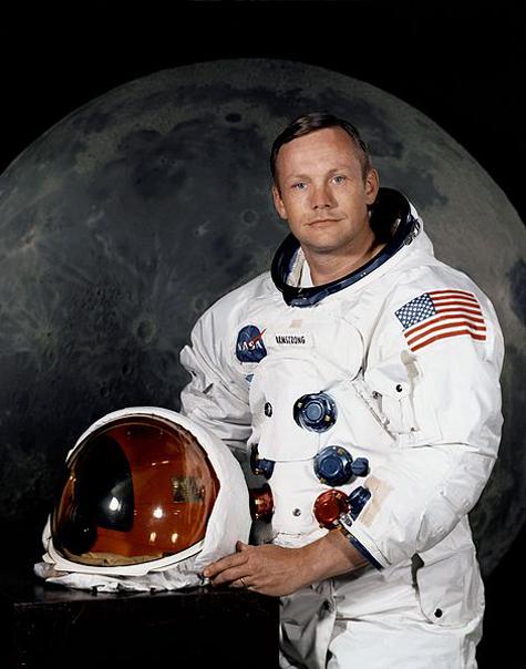 Скончался Нил Армстронг — первый астронавт, побывавший на Луне