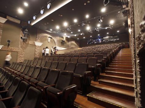 Театры и храмы могут оставить без связи