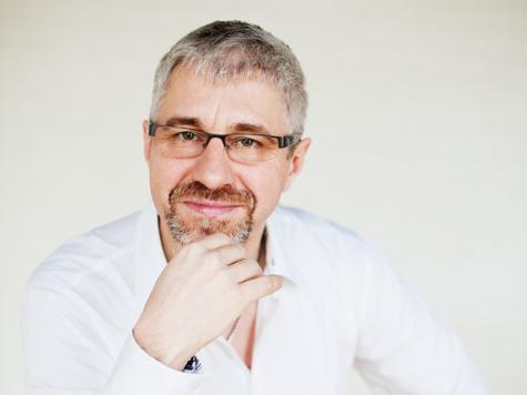 Андрей Константинов: «Калинку-малинку» даже иностранцу слушать тошно»