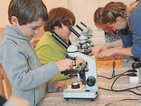 Фестиваль увлекательной науки и техники (если коротко и душевно — «Фунтик») в Пущине событие регулярное, любимое и ожидаемое
