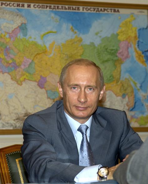 Политологи сравнили Путина с Путиным