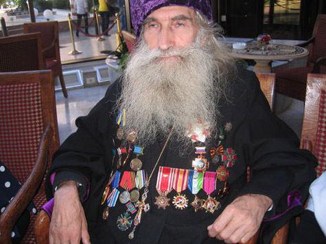 Перед ударом по Сирии духовник псковских десантников отслужил молебен в Дамаске