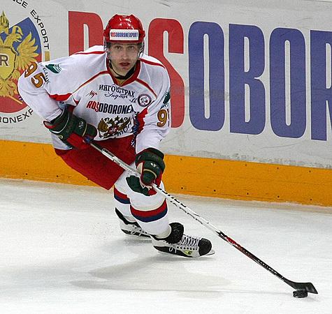 Комаров пошел на Россию