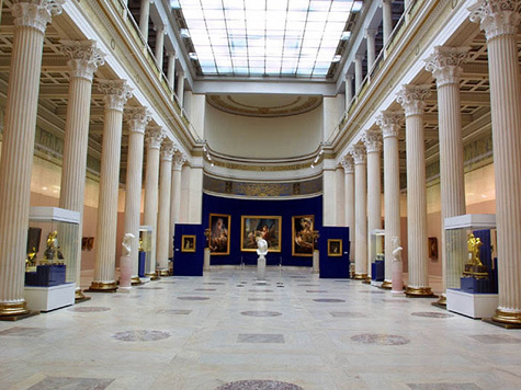Федеральные музеи не спешат уравнивать цены для русских и иностранцев