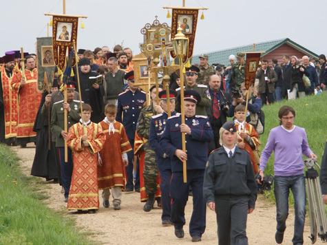 По благословению архиепископа Тверского и Кашинского Виктора на истоке Волги начался XIII Большой Волжский крестный ход