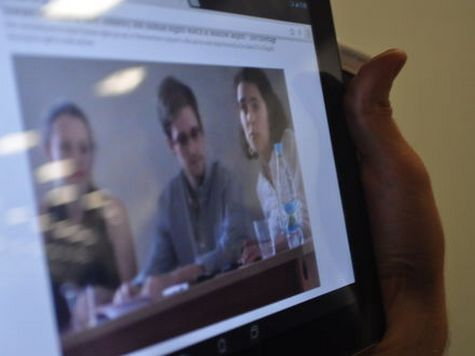 Отец Сноудена поддержал сына и раскритиковал власти США