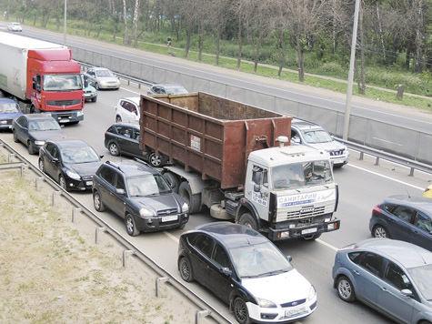 Слишком осторожных водителей хотят штрафовать