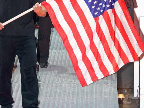 «Жеребец» Ромни окружен охраной