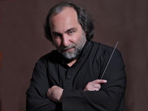 За что «ушли» главного дирижера Тихоокеанского симфонического оркестра?