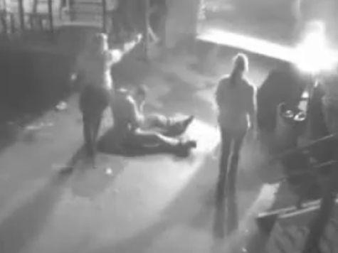 Около 15 налетчиков на кемеровский бар «Щепка» избивали мирных посетителей и стреляли по ним