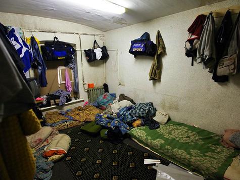 Нелегальные общежития в расселенных зданиях Москвы стали выявлять сами горожане