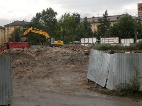 В Петрозаводске строители убрали последние остатки руин бывшего кинотеатра «Сампо»